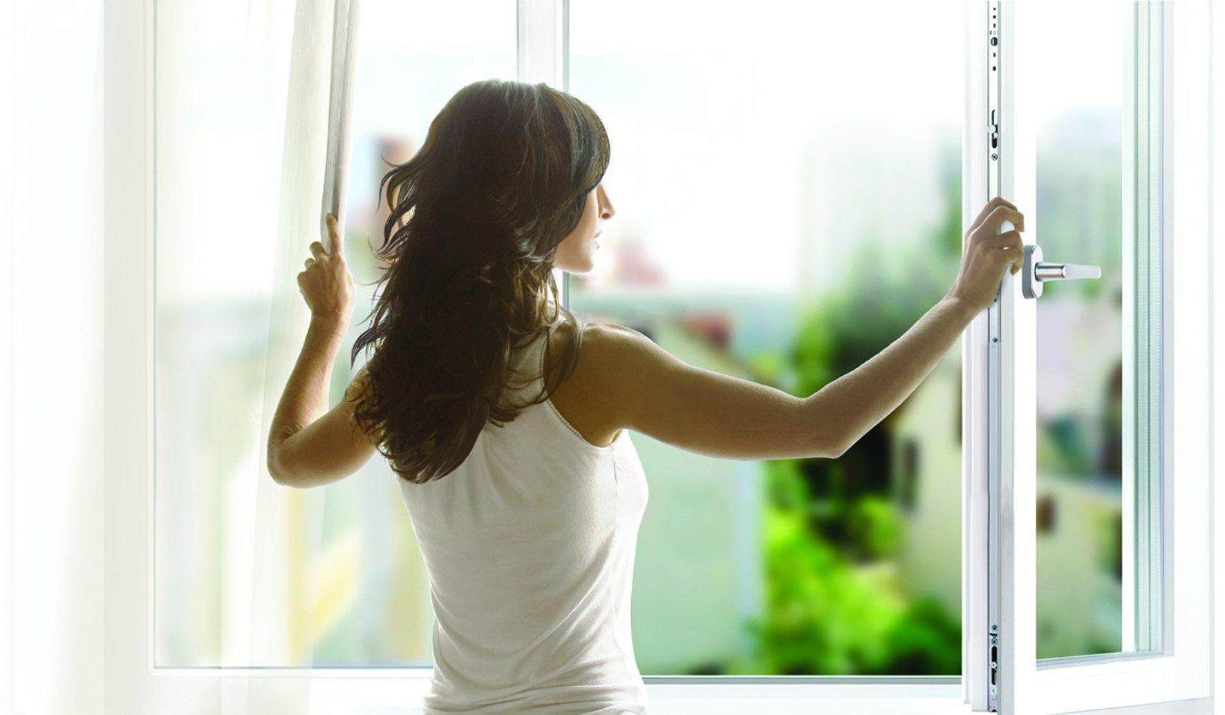 Снимает соседку через окно 22 фотография