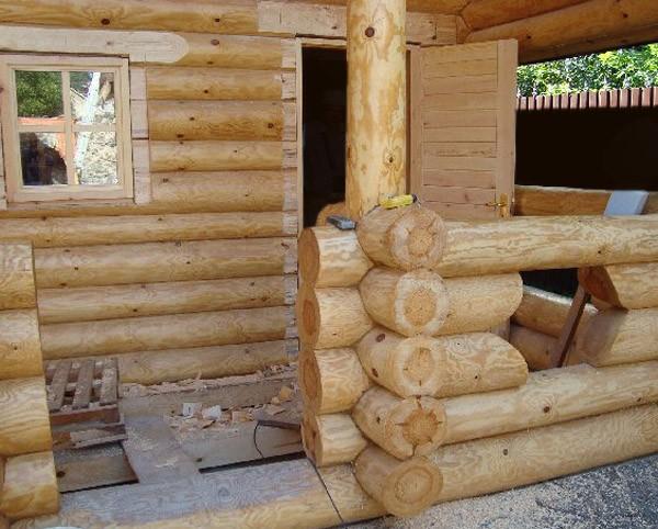 какая баня безопаснее из бревна или дерева
